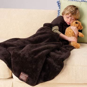 Kids-nuddle-blanket-with-foot-pocket-med-1
