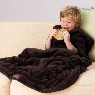 Kids-nuddle-blanket-with-foot-pocket-med