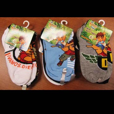 Disney-and-nickelodeon-socks-med-1